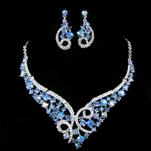 Mary Crystal Necklace Set