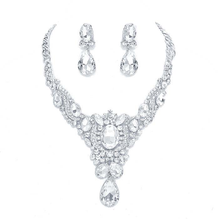 Renata Crystal Necklace Set.