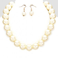 Mira Faux Pearl Necklace Set