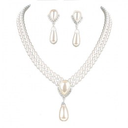Vedetta Faux Pearl Necklace Set.