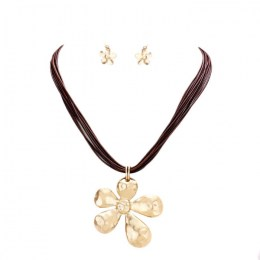Liliane Pendant Necklace Set