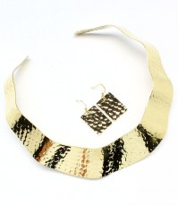 ./Collar_Necklace_4fe14b4f81426