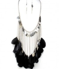 ./Feather_Necklace_4ee5673316bb0