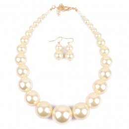 Cassi Pearl Necklace Set