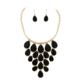 Lova Stone Necklace Set