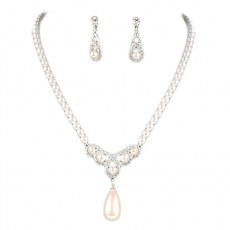 Liliana Pearl Necklace Set